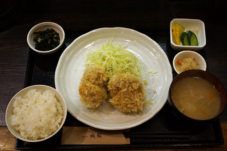 東京高田馬場のとんかつ成蔵の雪室熟成豚シャ豚ブリアン定食
