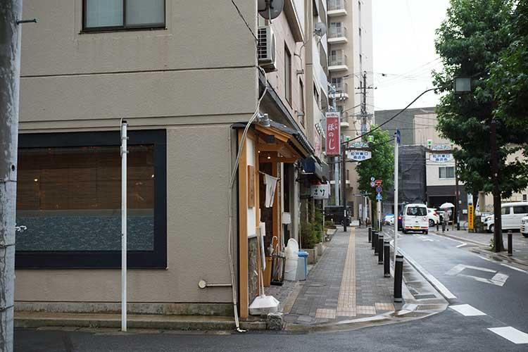 中華蕎麦 とみ田 松戸店舗前