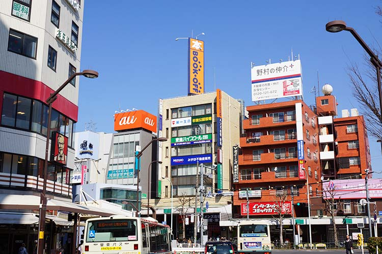荻窪駅北口前のブックオフ