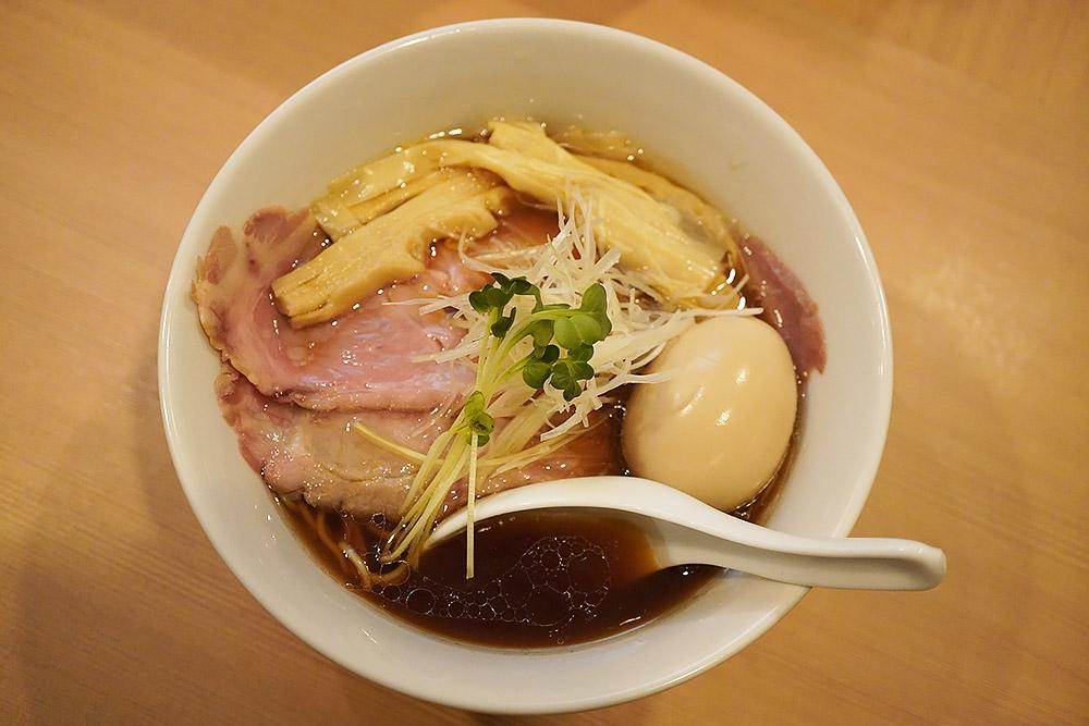 牛清湯×貝出汁のラーメン店 新宿 中華そば 流川の行き方と注意点