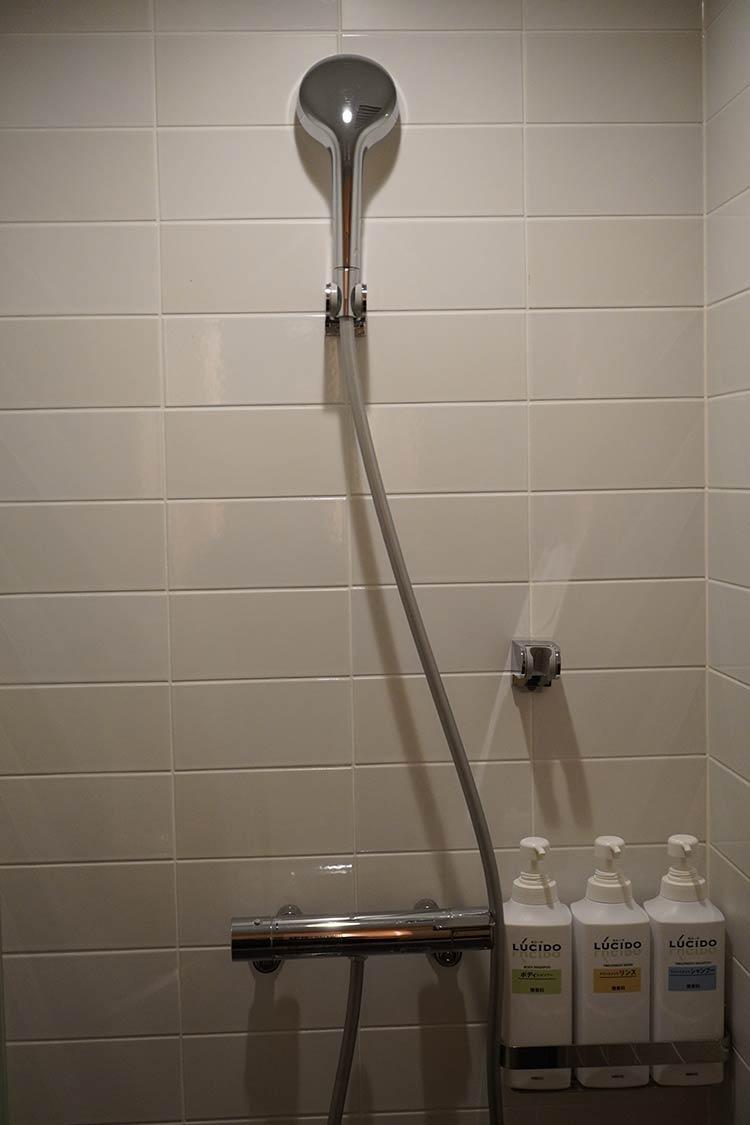 かるまる ラグジュアリーシングル シャワー室