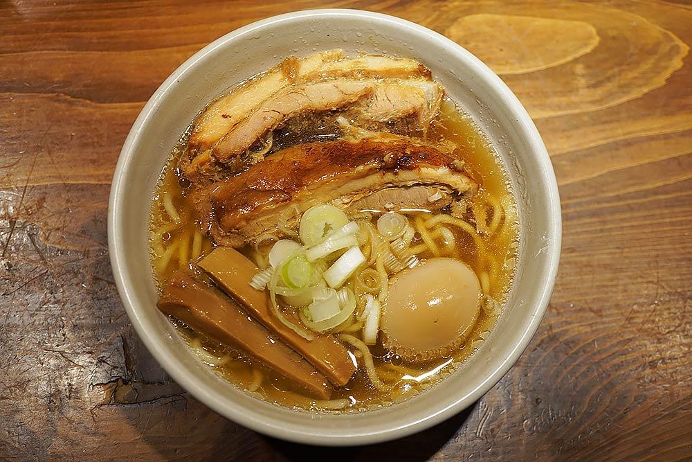 渋谷区恵比寿のラーメン店 人類みな麺類 東京本店に行った感想と注意点